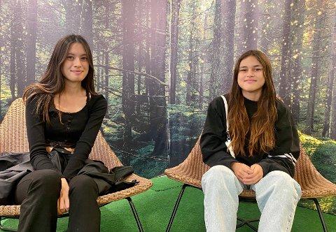 HÆ?: Shanna Brobakken (18) og Gerlyn Fjeldstad (15) visste ikke at det var Olsok i dag.