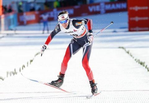 Heidi Weng gikk inn til andreplass under fellesstarten.