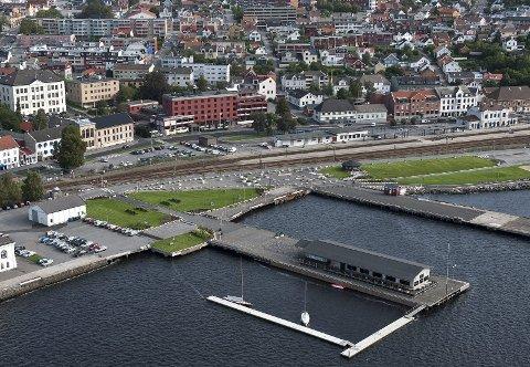 FOR UNGDOMMEN: Indre havn bør være et sted der ungdommen føler seg hjemme.
