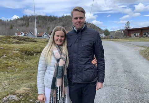 STORTRIVES: Charlotte Mathisen og Jens Nikolai Estrup synes det er veldig fint å drive campingen på Olavsberget. Nå håper de familien vinner anbudskonkurransen om videre drift.