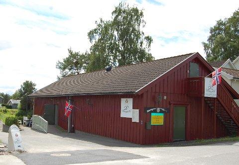 Nymalt: Hjemmefrontmuseet i Rakkestad brukte tiden de måtte holde stengt på grunn av koronapandemien til å pusse opp museumsbygget ute og inne. Søndag 7. mars åpner de igjen.