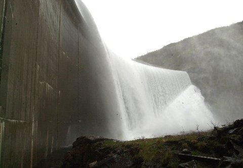 Vannkraft: Hvis lokalsamfunnene ikke får sin rettmessige del av verdiskapingen, vil motstanden mot å stille egne naturressurser til disposisjon øke, mener skribenten. Foto: Arne Forbord