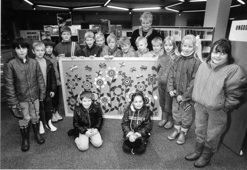 Bildeserier: Fra bildeserien Rana Bibliotek ser vi her Klasse 3A ved Lyngheim barneskole fra 1986.