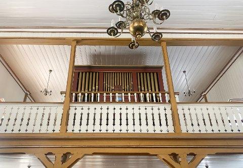 Orgelet i Hemnes kirke er fra 1842. Til 150-årsjubileet skal orgelet restaureres utvendig. Kirkeverge Per Øyvind Eriksen har spurt riksantikvaren om hjelp.