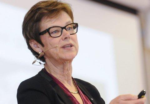 Trenger penger: Jernbanedirektør Elisabeth Enger kaller Ringeriksbanen et fantastisk bra prosjekt, men trenger penger for å realisere innenfor tidsambisjonen.