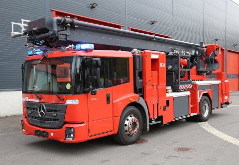 LEIE: Denne liften brukes i dag av brannvesenet i Rogaland. Den vil snart være tilgjengelig for leie og kunne vært redningen for beredskapen til ØRB.