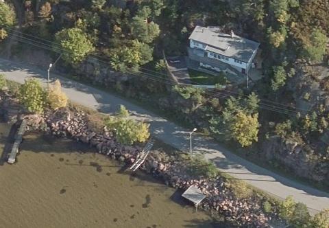 SOLGT: Rødtangveien 7 i Holmsbu gikk for 6,8 millioner kroner.