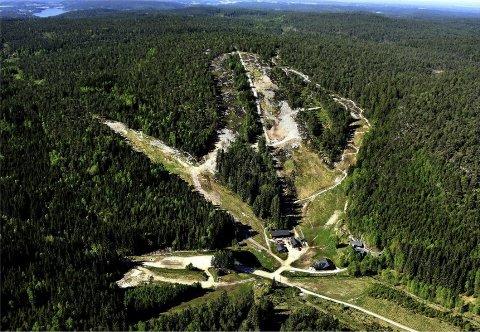 Sarpsborg IL går inn som nye hovedeiere av Kjerringåsen alpinsenter gjennom et kjøp av 51 prosent av aksjene for 210.000 kroner.