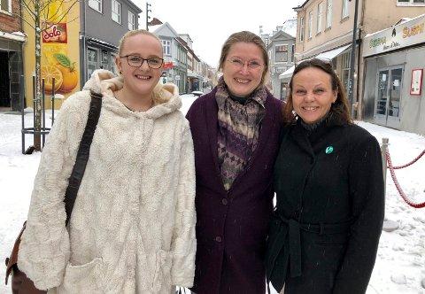 KLARE: Mathine Lindh Løkke, Bente Opstad og Hege Nålsund er i ferd med å skape et aktivt lokallag av partiet Venstre i Sarpsborg.