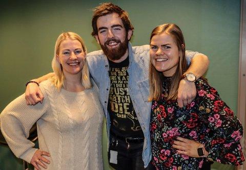 NY PODKAST UTE: Elisabeth Groth, Vetle Granath Magelssen og Eline Rildå Bjørge.