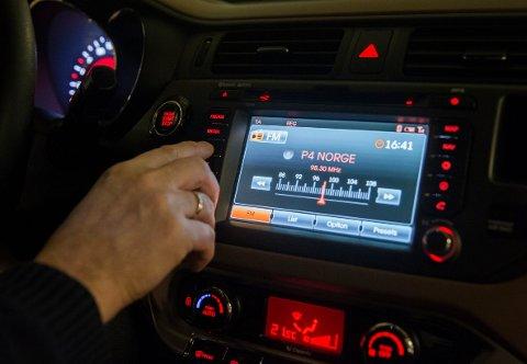 Frp tar til orde for at ledige FM-frekvenser må kunne brukes av lokalradio også etter at konsesjonen løper ut i 2021.