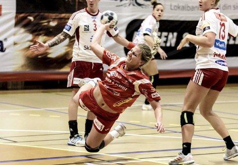 UVISS FRAMTID: Carina Vrangen fra Slitu er usikker på hva hun gjør med håndballen etter årets sesongen etter at Halden HK har valgt å legge ned elitelaget sitt for damer.