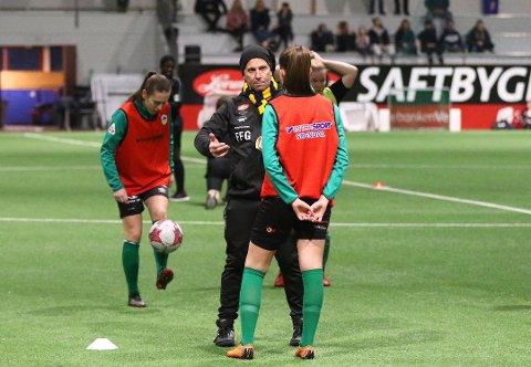 TETTARE SAMARBEID: Sogndal fotball og Kaupanger IL er samde om å samarbeide tettare for å legge betre til rette for ei felles satsing på damefotball. Målet er eitt felles lag frå 2022.