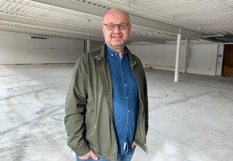 STORE PLANER: Frank Jensen skal åpne butikk i lokalet, som tidligere huset bilforhandler.
