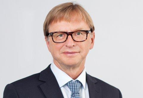 Averøyingen Geir Molvik slutter i toppjobb.