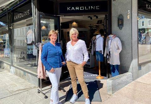 HOLDT ÅPENT: Karoline mote har holdt åpent gjennom hele korona-krisen. Kirsten Holeog Solbjørg Helene Heimstad er positive til klesbutikkens fremtid, selv om de siste ukene har vært tunge.