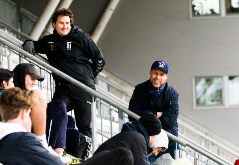 8. AUGUST: Det er datoen Ronny Johnsen (t.h.) og Christopher Barland kan ringe rundt i kalenderen. Da sparkes - forhåpentlig - endelig fotballsesongen i gang for FK Eik Tønsberg.