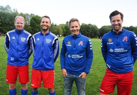HISTORISK ØYEBLIKK: Amund Hansen, Bjørn Erik Skjelbred, Thomas Tuft og Ola Haug har vært med på mye i Arnadal-fotballen. Men aldri har de spilt så høyt opp i divisjonene som i år. Endelig var det tid for 5. divisjonskamp på Sletta.