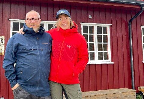NYTT EVENTYR: Lasse Tronstad (47) fra Steinkjer og kjæresten Tone Vold (39) har flyttet byttet fra jobber som trompetist og lærer i Oman til hotelldrivere i Valdres.