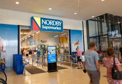 GRENSESTOPP: At nordmenn uteblir fra grensehandelen får store konsekvenser for matkjempen Grensemat, som blant annet eier Nordby Supermarket.