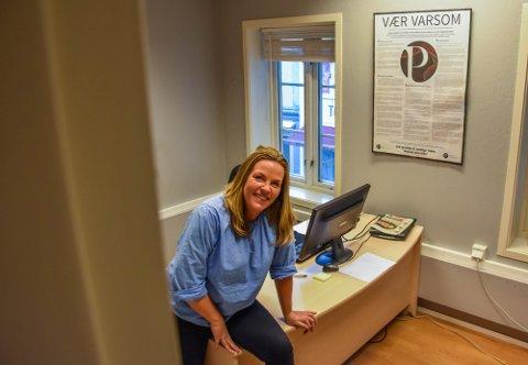 SER FRAMOVER: Eier og redaktør Vibeke Lundquist i Byavisa Tønsberg har hatt det tøft under koronakrisen. Nå ser Lundquist tegn til bedring i mediebransjen.