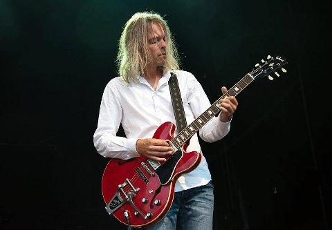 Vesper: Til Skolefall kapell kommer blant annet supergitarist og plateprodusent Jon Anders Narum.