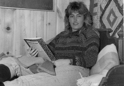 1993: En ung Hilde Bergebakken (30 da, 52 i dag) har kapret nettopp varamannsplass på Stortinget. - For familielivet var det en lykke at det ikke ble noen fast plass. Da hadde vi nok ikke prioritert flere barn, sier hun i dag.