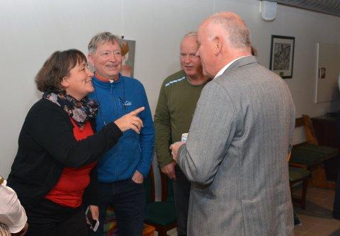 Nina Vågen Roaldset (t.v..) sammen med partikollegene  Jens Peter Olsen, Jan-Harald Rolland og John-Georg Brandtzæg.