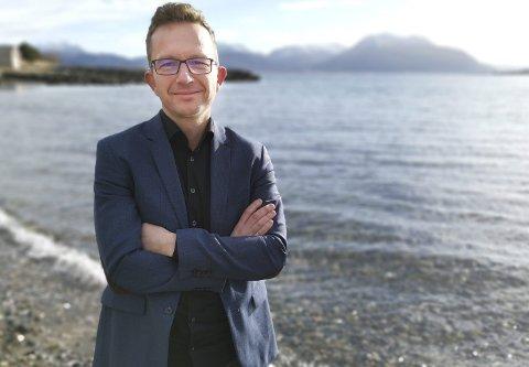 Fødeavdelingen: Carl Johansen reagerer på nedleggelse av fødeavdelingen.