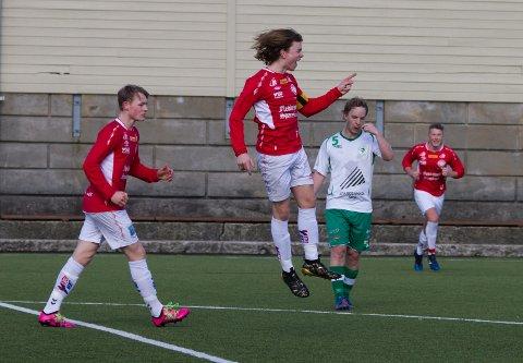 Asle Liland, som her bærer kapteinsbindet, er en god målscorer og har utviklet seg til å bli en god leder.