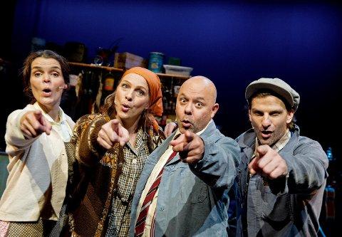 «Singel & Sand» har vært nok en suksess for Hordaland Teater. Yvonne Algrøy, Helga Golten, Cato Jensen og Claus Sellevoll har regjert Logen Teater de siste ukene.