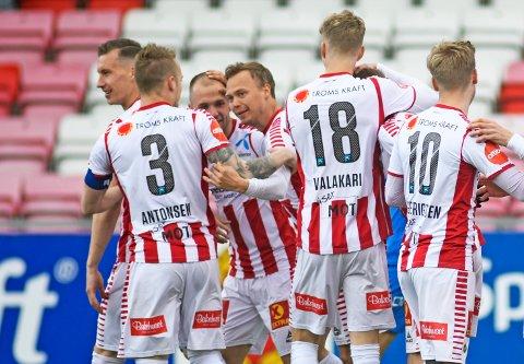 Tromsø-spillerne fikk endelig noe å juble for etter 2-1 seieren hjemme mot Molde i siste serierunde. I kveld venter bortekamp mot Stabæk på Nadderud der Tromsø har en fantastisk statistikk. Foto: Rune Stoltz Bertinussen, NTB Scanpix