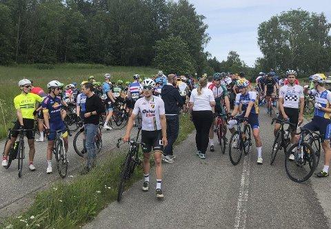 – Det er en uheldig situasjon, men vi må alltid sette sikkerheten i rittet først, sier sykkelpresident Jan-Oddvar Sørnes etter at U23-fellesstarten i sykkel-NM måtte avlyses. FOTO: Erling Høyem