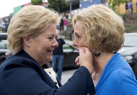 VENNER: De er venner, men ikke nære venninner. Men kjemien er god Trude Drevland møter Erna.