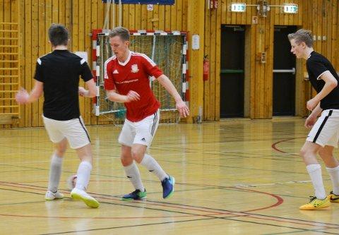 Nordavind (i rødt) tapte bronsefinalen mot FC Chillpadde. (Foto: Fredrik Sørensen)