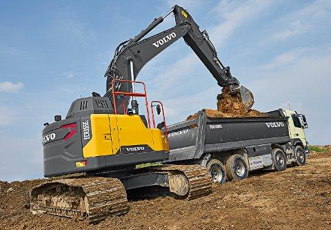 KJØPER VOLVO: Hære & Isachsen Maskinutleie AS kjøper 33 nye anleggsmaskiner fra Volvo.