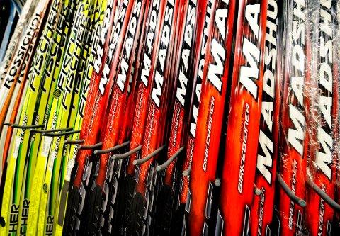 Selger dårlig: Skisalget hos Bjørn Myhre Sport blir påvirket av snømangelen.