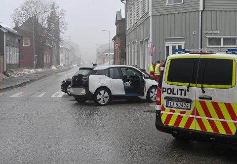 To biler var involvert i trafikkuhellet mandag ettermiddag.