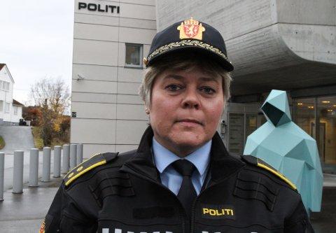KLART SKJERPANDE: At vedkomande skalla til ein politibetjent når politiet rykkjer ut for å rydde opp i husbråk, ser vi alvorleg på, seier tenestestadsleiar for politiet i Florø, Wenke Hope.