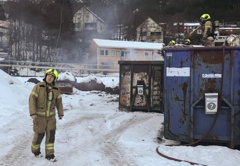Brann i container på Elkem Bremanger.