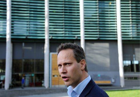 Tøff tone: Ordfører Jon-Ivar Nygård truer med at noen kan ryke ut av vennelista.