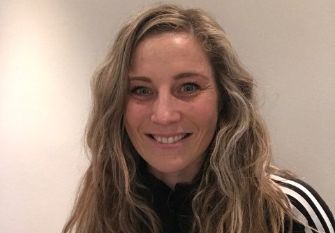 Onsdag kveld blir Mona Holm Solberg presentert under informasjonsmøtet til Wang Ung. Skolen starter opp i Fredrikstad til høsten.