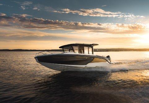 Båten, som ble lansert i 2020, kan vinne prisen for årets sportsbåt under den prestisjefylte «Motor Boat Award». – Det som er spesielt med denne båten, er at vi har klart å treffe med et produkt som ikke var på markedet fra før, sier Bård Eker.