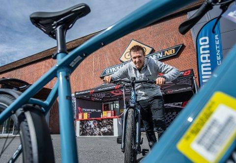 Anders Iversby Hvideberg, daglig leder og medeier i Sykkelstasjonen er godt fornøyd med rekordomsetningen i 2020.