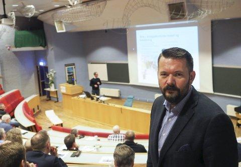 Fornøyd: Direktør i Narvikregionen Næringsforening, Svein Erik Kristiansen, er fornøyd med det de kommende investeringene i regionen bærer bud om. Foto: Terje Næsje