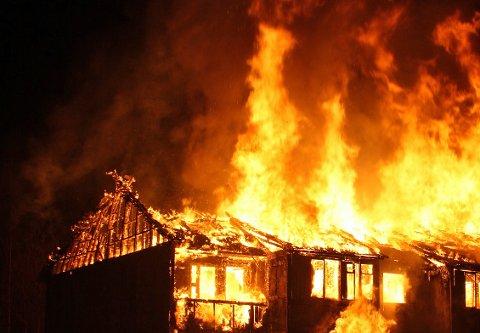 KAN FØRE TIL BRANN: Egenarbeid i hytter, blant annet på elektrisk anlegg, har ført til brann. Nå advarer brannvesenet. Illustrasjonsfoto
