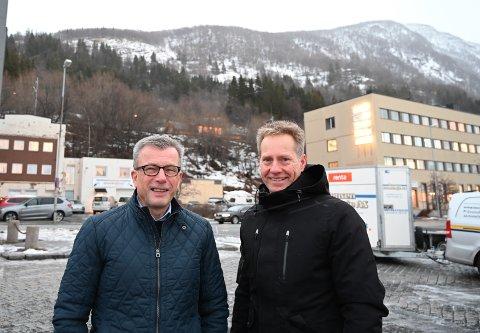 SHERPATRAPP: Forretningsutvikler Ragnar Krogstad i Narvik havn foreslår å bygge en sherpatrapp fra Narvik havn og opp til Øvre Fjellheisstasjon. - Enhverby med respekt for seg selv har nå en sherpatrapp, er hans inntrykk. Kommunalsjef i Narvik kommune, Lars Norman Andersen, liker ideen og har bedt Midtre Hålogaland friluftsråd utredet saken.
