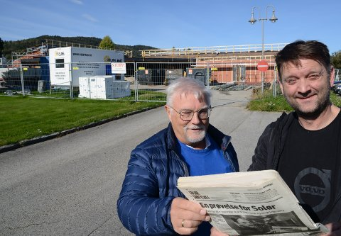 BYGGER FOR FRAMTIDA: – Vi vil kunne huse en legevakt i legesenteret vi nå bygger ut, sier ordfører Ørjan Bue, til høyre, og leder i utvalget for helse, pleie og omsorg, Rune Sørlie.