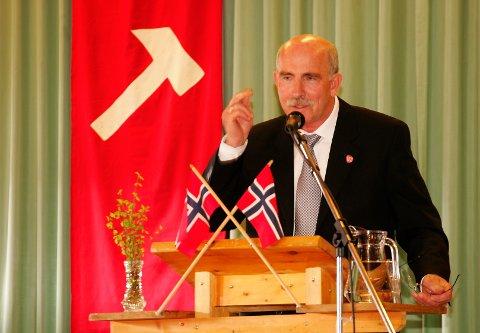 SKUFFET: Steinar Saghaug sier han er veldig skuffet over Jan Bøhler. Her fra et 1. mai-arrangement på Slåstad, der han var hovedtaler. FOTO: OLE-JOHNNY MYHRVOLD