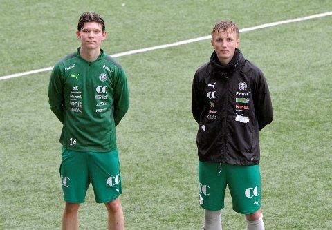 Halvor Rødølen Opsahl (t.v.) og Vetle Skjærvik startet begge fotballkarrieren i Roterud, før de gikk til Lillehammer FK og videre til HamKam. Kjetil Rekdal har latt seg imponere av begge.